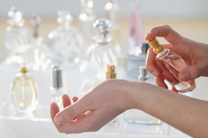 awww.anazahra.com_wp_content_uploads_2012_09_perfume_selection.