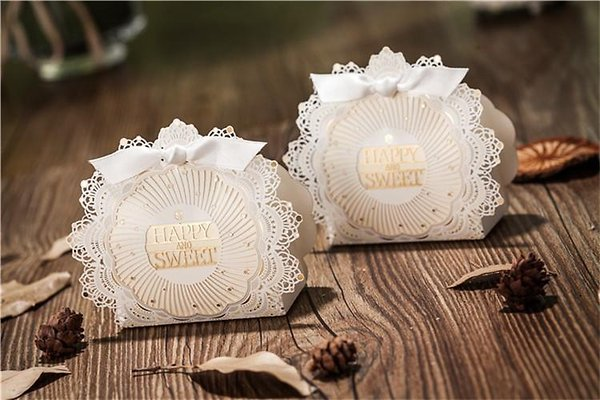 romantic-lace-wedding-gift-box-elegant-white.