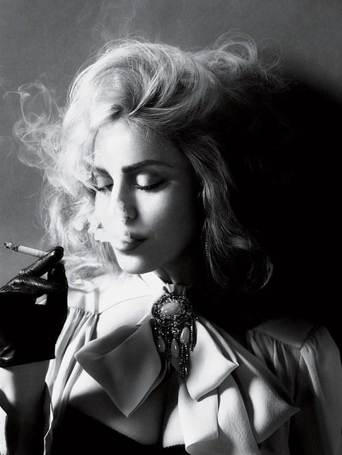 black-and-white-fashion-smoke-Favim.com-186966.